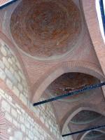 Το Τζαμί του Οσμάν Σαχ: Το αναστηλωμένο πρόστεγο