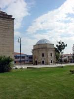 Το Τζαμί του Οσμάν Σαχ: Άποψη από δυτικά με το οκταγωνικό Μαυσωλείο