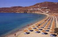 Mykonos Elia Beach: First visitors!