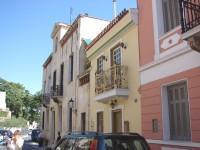 Plaka Houses