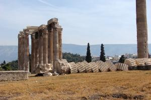 The most important sites of Classical Greece in only three days, with dinners and two overnights.