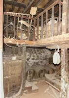 Λαογραφικό Μουσείο Καστοριάς: Αποθηκευμένα εργαλεία στο κελάρι και το Καρούτι