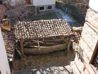 Λαογραφικό Μουσείο Καστοριάς: Το καράβι στην προστατευμένη από τη χιονόπτωση θέση του