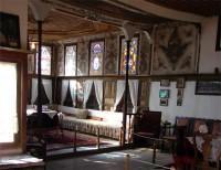 Λαογραφικό Μουσείο Καστοριάς: Το Κιόσκι (που λεγόταν και κρεββάτα) όπως φαίνεται από τον Δοξάτο