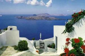 15 Days / 14 Nights: Athens (1 night) - Tinos (6 nights) - Santorini (6 nights) - Athens (1 night)