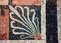 Delos Mosaic Corner Ornament
