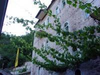 Ιερά Μονή Παναγίας Προυσιώτισσας: Άποψη του νέου κτιρίου με τα κελιά των μοναχών