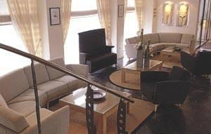 Acropolis Select Lounge