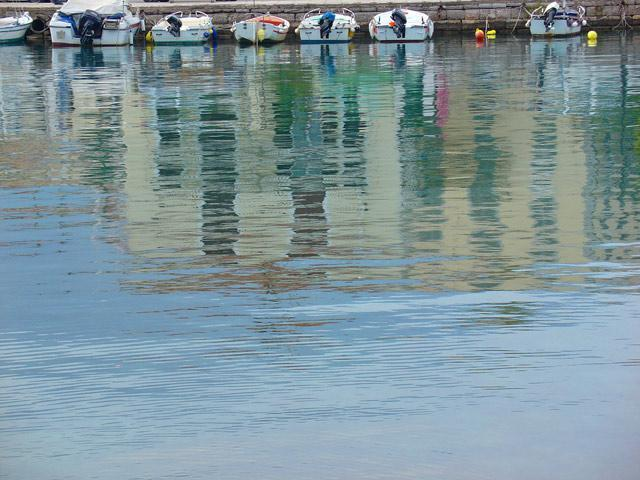 Galaxidi Port: Reflections...